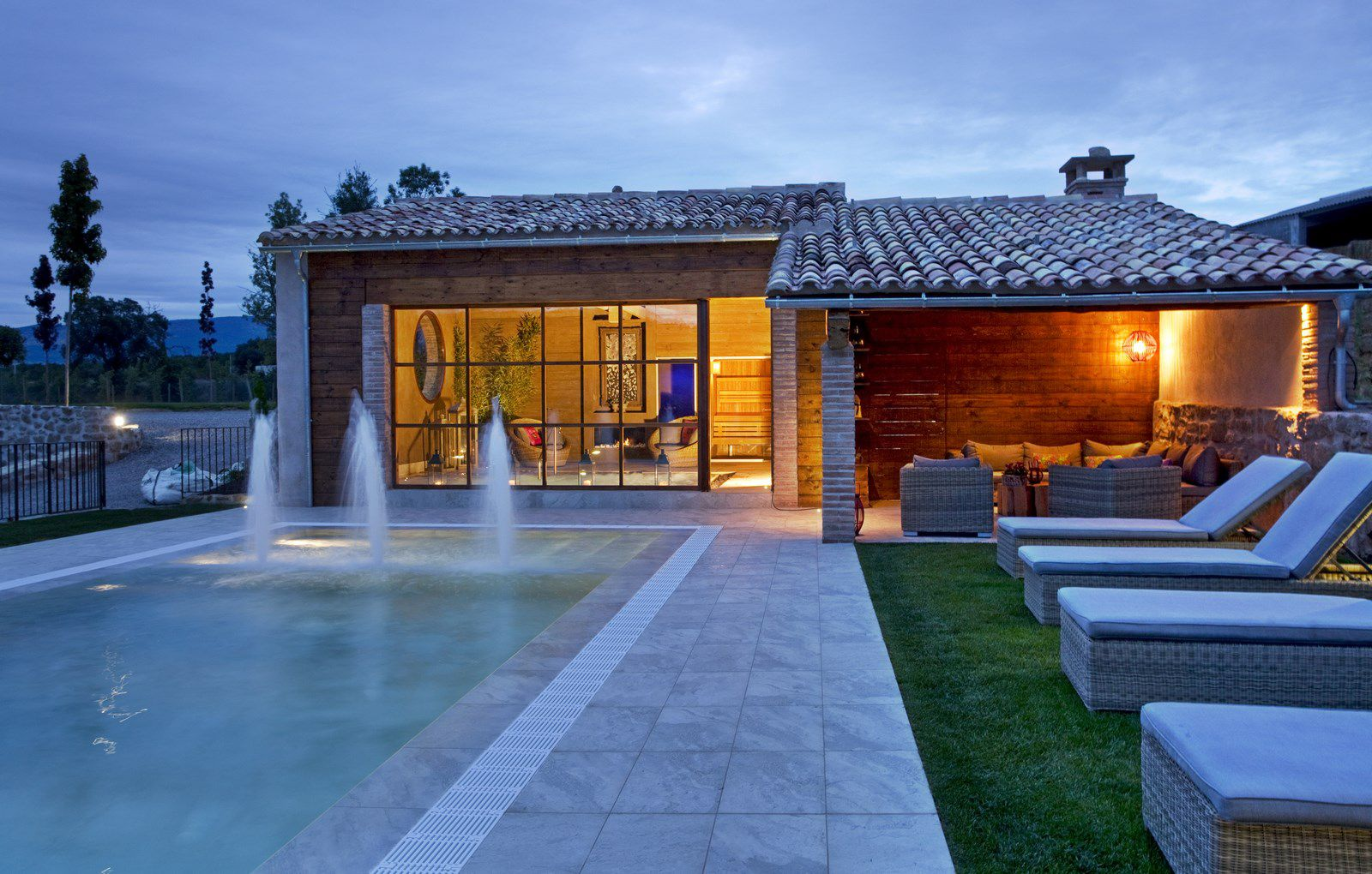 Casa rural con piscina cirera d 39 avall - Fotos de casas con piscina ...