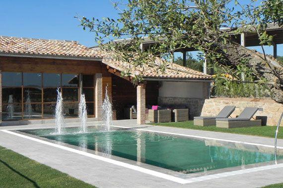 Casa rural con piscina cirera d 39 avall for Casa rural catalunya piscina